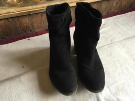 Dorothy perkins ladies ankle boots black suede size 6/39 used £5