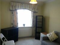 LARGE DOUBLE BEDROOM NEAR HANGER LANE STATION