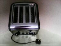 SWAN CHROME/BLACK FINISH 4 SLICE BREAD TOASTER