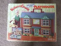 Wallace & Gromit Playhouse/Carry Case, plus Figures