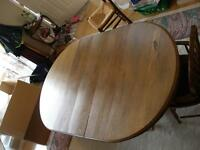 Antique Oak Oval dining table with very nice 5 post base