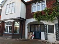 Double Room in Gorgeous Detached House Close Luton Town Centre