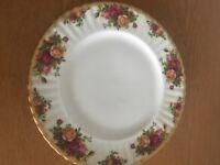 Royal Albert 'Old Country Roses' dinner plate