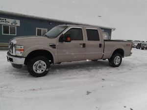 2009 Ford F-250 XLT, DIESEL, CREW, SHORT, 4X4, NEW TIRES!!!