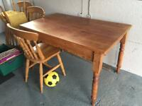 Antique pine Table a 4 farmhouse chairs