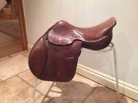 Tanned leather jumping saddle for sale