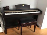 Yamaha Clavinova CLP320, digital piano + stool included
