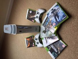Xbox 360, 2 Controllers & 7 Games
