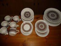 Vintage BILTON dinner and tea set 30 pieces 60/70s style PERFECT