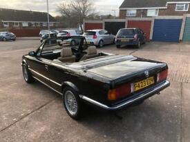 BMW 320i Convertible E30 manual - classic car!