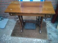 ANTIQUE VINTAGE SINGER CAST IRON WITH SEWING MACHINE BASE TABLE