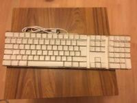 GENUINE APPLE USB KEYBOARD & WIRED MOUSE - WHITE A1048 FOR G3 G4 G5E