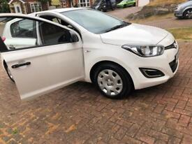 Hyundai i20 with some mechanical faults.