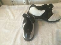 golf shoes nike size 11 AS NEW.