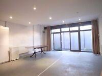 3 AMAZING MASSIVE Dbl bedrooms - Super Cool- Warehouse Apartment