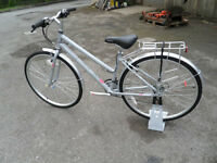 Oakland Ladies Hybrid Comfy Leisure Bike Brand New Fully Built