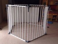 Play pen / room divider excellent condition