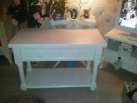 White shabby chic coffee table