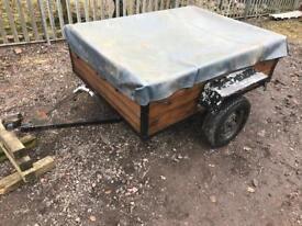 Small trailer 1200 x 1600