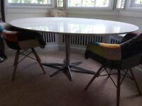 Oval dining table white formica, chrome leg, seats 6, must pick up by 22 Aug