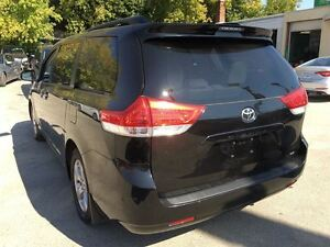 2014 Toyota Sienna LE/MASSIVE CLEAROUT!/PRICED FOR AN IMMEDIATE  Kitchener / Waterloo Kitchener Area image 6