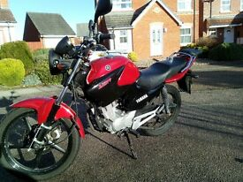 2013 Yamaha YBR 125cc - Excellent condition - with Top Box