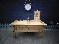 CORONA PINE LARGE COFFEE TABLE VERY SOLID TABLE AND IN EXCELLENT CONDITION 100/60/45 cm £50