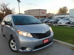 2011 Toyota Sienna V6 DUAL DVD ONE OWNER