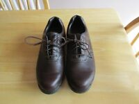 CALLOWAY GOLF SHOES SIZE 6.5