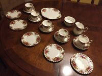 English Bone China Royal Albert Old Country Roses tea set , antique, vintage 18 pieces