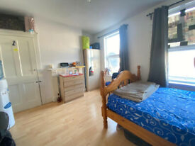 ***DSS WELCOME WITH A STRONG GUARANTOR*** Spacious 4 bedroom house in Stratford/Plaistow E15
