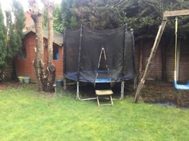 8ft trampoline and enclosure