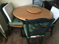 Round Dining Table & Chairs
