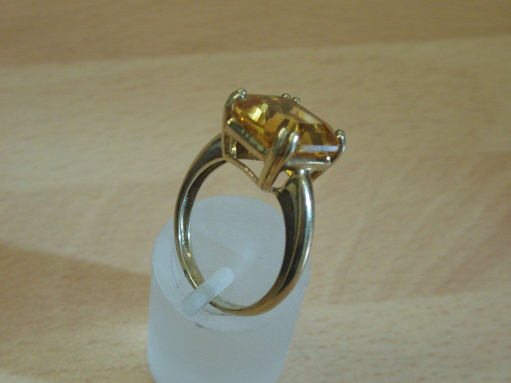 9CT YELLOW GOLD SQUARE SET CITRINE RING