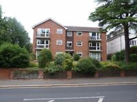Superb and stunning very large one bedroom flat with garage and close to South Croydon Station