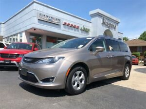 2017 Chrysler Pacifica TOURING L-PLUS | NAV |  LEATHER | DUAL DV