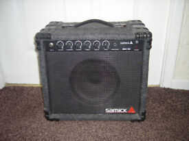 SAMICK GUITAR AMPLIFIER