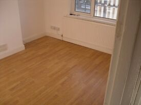 Spacious 2 bed flat close to Brimsdown