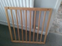 BabyDan Wooden Baby Child Gate (Beech)