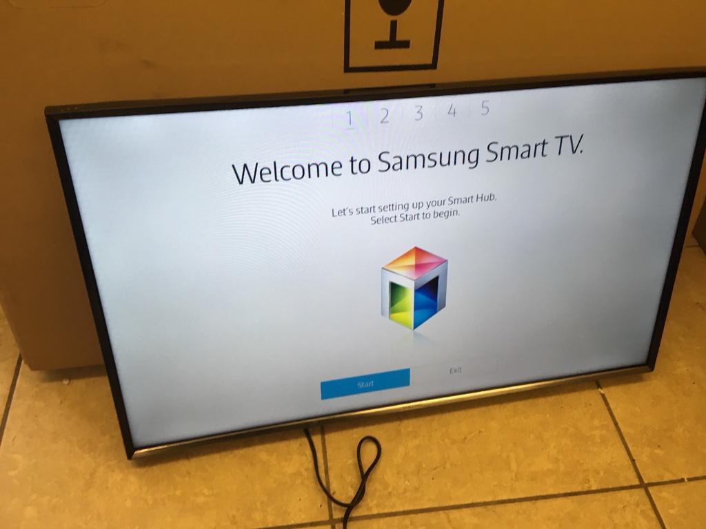 """Samsung 32"""" smart LED tv apps wi-fi bargain"""