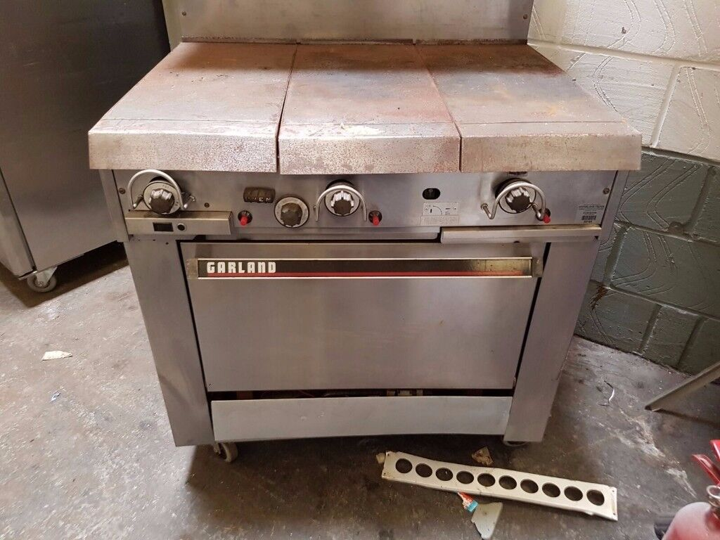 Garland commercial 3 burner solid top cooker NAT GAS heavy duty very powerful