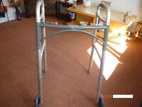 FOLDING ZIMMER FRAME WITH WHEELS