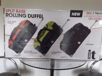 IT luggage rolling duffel trolley wheel bag 76cm/30in