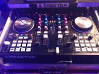 Traktor S4 DJ Controller plus Flightcase