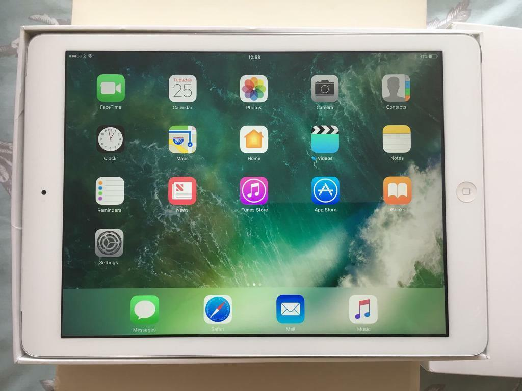 iPad Air 16GB Cellular silver Excellent condition Boxedin Milton Keynes, BuckinghamshireGumtree - iPad Air 16GB Cellular Unlocked silver in Excellent condition and boxed with charger Can deliver £235