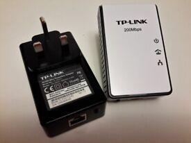 ::: TP-LINK AV200 MINI POWERLINE ADAPTERS (TWIN PACK) :::