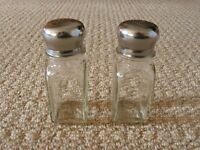 Glass Salt and Pepper Pots with metal lids Table Condiments Tableware Kitchen Accessory