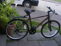"MANS HYBRID BIKE 17"" ALUMINIUM FRAME AS NEW CONDITION NO RUST AT ALL"
