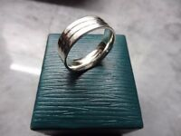9ct white Gold designer wedding band (9.1grams)