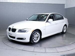 2011 BMW 323 i MAGS TOIT CUIR West Island Greater Montréal image 1
